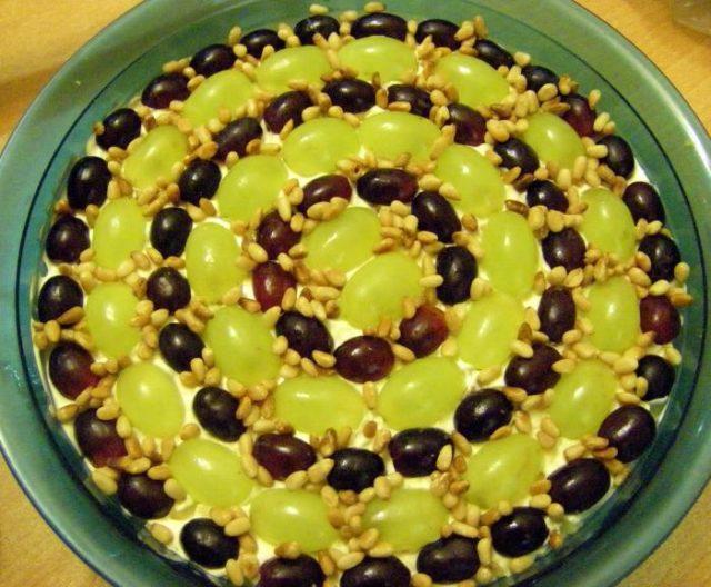 салат виноград орешки