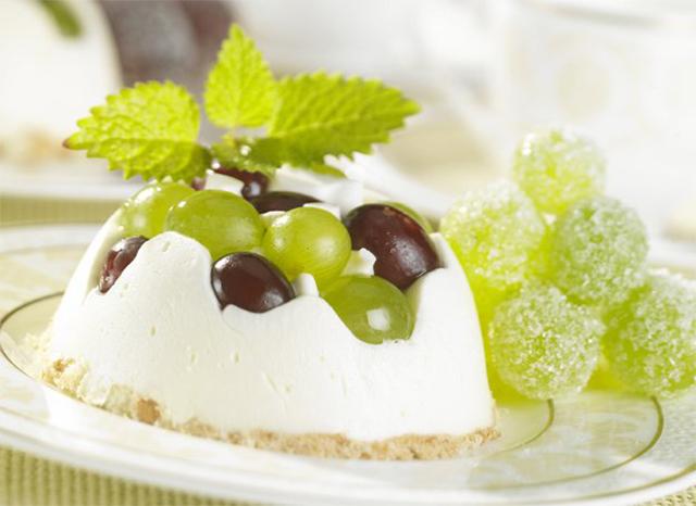 творожно-виноградный десерт
